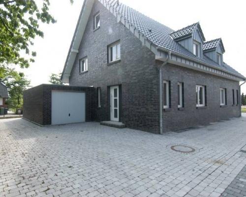 Schicke moderne Doppelhaushälfte wartet auf Sie!
